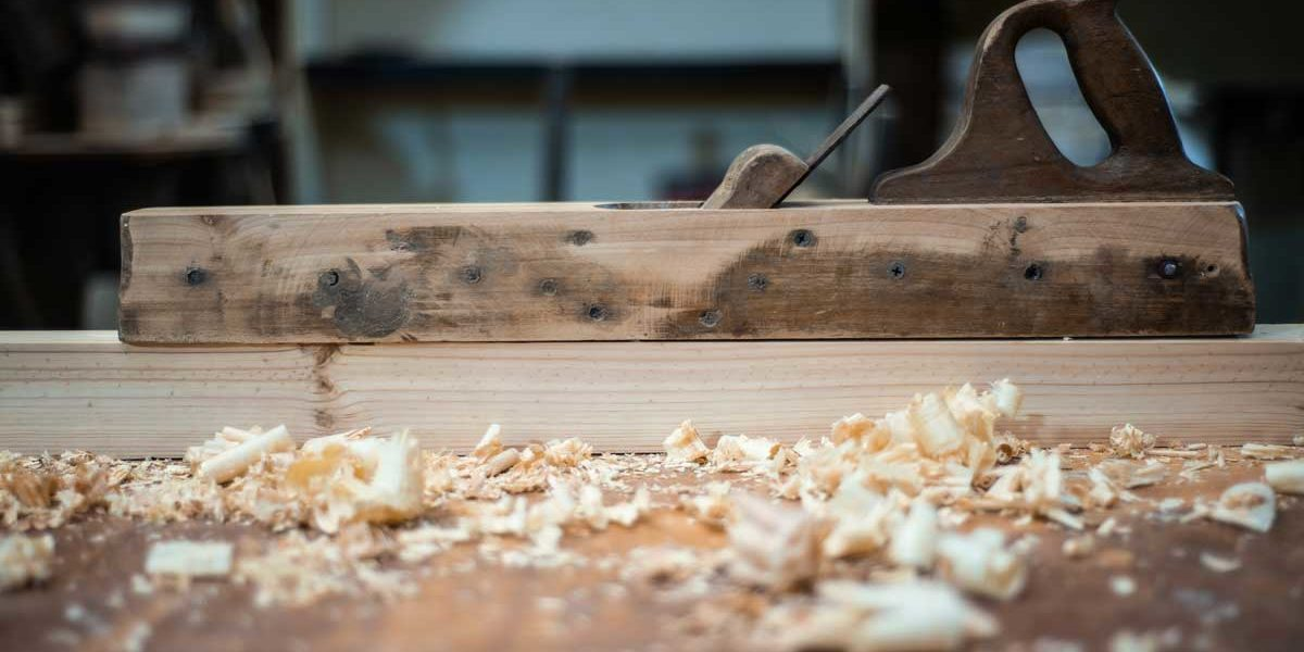 atelier-artisanal-bois-cuisine-fabricant-salle-bain-escalier-agencement-interieur-bibliotheque-placard-dressing-sommieres-visuel-3